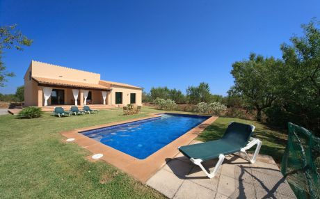 Villa for 6 people in Son Serra de Marina