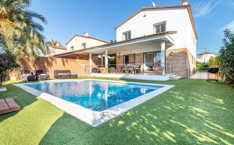 Villa for 8 people in Empuriabrava