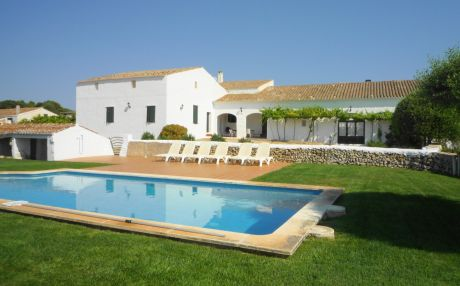 Villa for 8 people in Maó