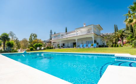 Villa for 14 people in Benalmadena