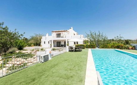 Villa with garden for 12 people in Santa Eulalia del Río