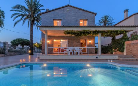 Villa for 9 people in Empuriabrava