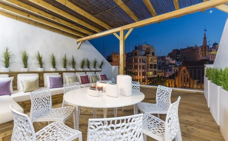 Apartment for 14 people in the city of Valencia