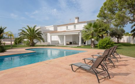 Villa for 17 people in Santa Pola