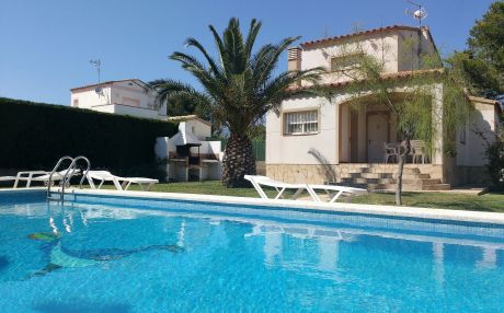 Villa for 6 people in Ametlla