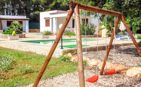 Finca for 6 people in Santa Eulalia del Río