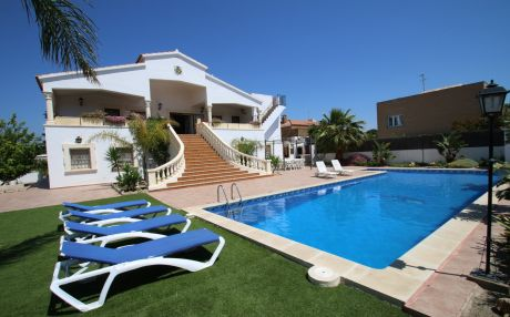 Villa for 14 people in Cambrils