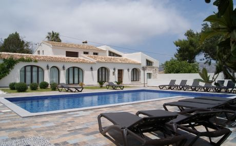 Villa for 22 people in Teulada