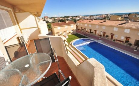Apartment with pool for 6 people in Cambrils