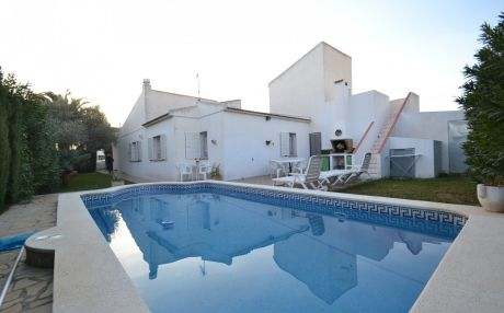 Villa for 7 people in Ametlla
