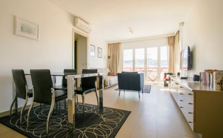 Modern apartment for 4 people in Sitges